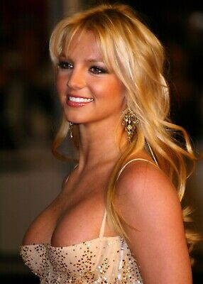 Great Britney Spears Picture Sexy Cleavage - 8 x 10 Photo