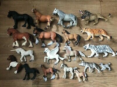 19 x Bullyland Wild Animals Figures Joblot Horses Tigers Lions Wolves Unicorns