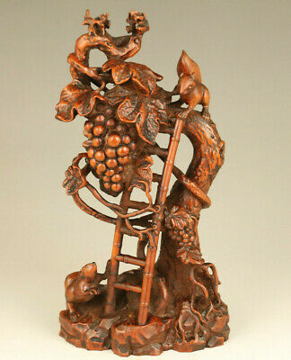 chinese old boxwood Handcarved squirrel pine tree statue collect home decoration