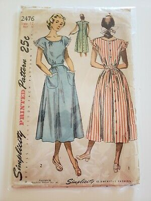 1940s Vintage Simplicity Sewing Pattern House Day Dress 12/30 1950s 50s 40s