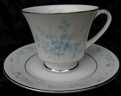 Noritake Contemporary Carolyn 4 Sets Of Cup And Saucer, Japan, Exc.