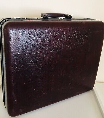 Burgundy Vintage Diplomat Briefcase/Attaché Hardshell Prop