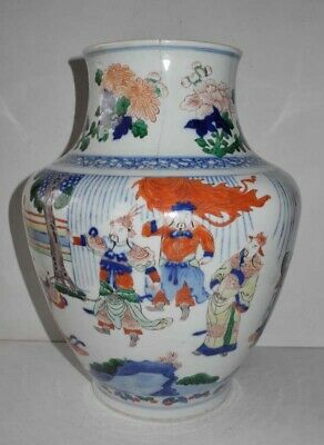 Authentic 17 18Th Wucai Large Porcelain Vase With Different Scenes Damaged