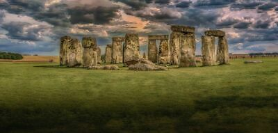 4 Tickets for a trip from London to Stonehenge - Bus from Victoria Coach Station