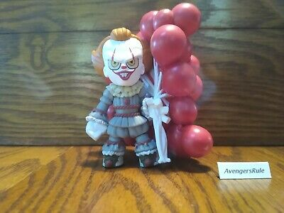 It Chapter 2 Funko Mystery Minis Vinyl Figures Pennywise Balloons 1/6