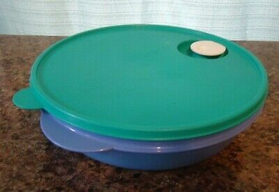"""TUPPERWARE 10"""" Divided Round Dish Purple Green 3284 Microwave Vent Lid Crystal"""