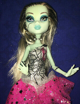 Monster High doll Frankie Stein Doll in Pink 13 dress with shoes
