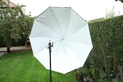 Bowens 140cm White Umbrella in Very Good Condition B