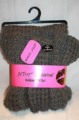 NEW! BETSEY JOHNSON Gray Shimmer Chunky Knit Snood & Fingerless Texting Gloves
