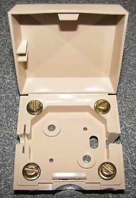 6 ITT 3200-001 Light Beige 4 Terminal Connecting Blocks (NOS)