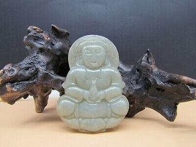 AAAAA Chinese Hand-carved aristocratic wearing Jadeite jade pendant Guanyin