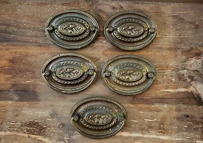 Antique Brass Federal Hepplewhite Drawer Pulls Set Of 5 Oval Shape Acorn detail