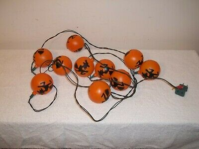 Vtg BLOWMOLD HALLOWEEN FLYING WITCH ROUND ORNAMENT STYLE 10 STRING LIGHTS SET