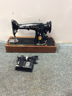 Vintage Antique Collectible The Singer Manufacturing Co AH492868 Sewing Machine