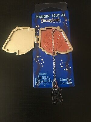 Star Wars Star Tours Annual Passholder LE Hangin' Out At Disneyland Trading Pin