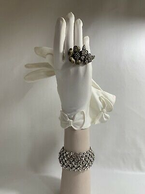 "Cornelia James Vintage Gloves 1960s Nylon White Dress Wedding Church 9"" Size 6.5"
