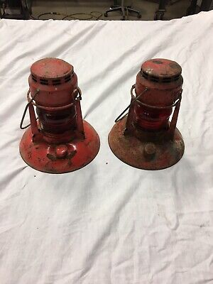 Pair Antique RED DIETZ Traffic Gard Lantern No 40 Syracuse NY & RED Globe No 40
