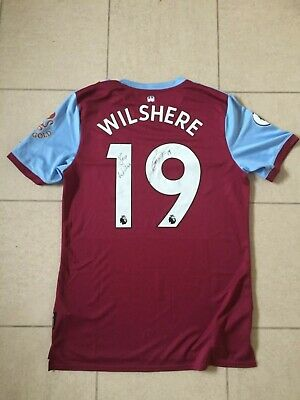 """New """"SIGNED"""" Jack Wilshere West Ham football top size M.  Umbro £55.00 tag"""