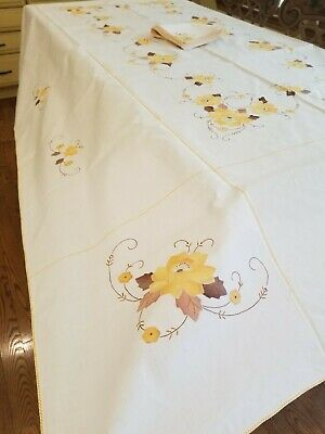 Gorgeous Vintage Tablecloth Napkins Hand Embroidered