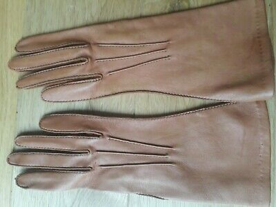 Vintage  DENTS  Tan Make 'D' cape leather Ladies Gloves -