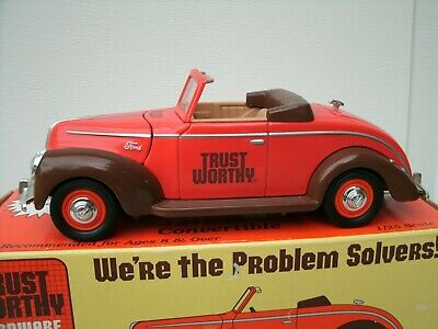 LIBERTY CLASSICS TRUST WORTHY 1940 FORD CONVERTIBLE COIN BANK 1:25 SCALE NIB