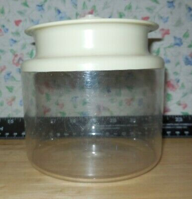 Tupperware 1479 Clear Acrylic Container With Almond Seal 1212