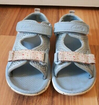 Girls Toddler Clarks Doodles Sandals, Size 6.5F, Blue White And Spotty, Infant.