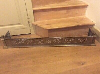 victorian brass fender c1880-1900. 120 cm long 24 cm deep