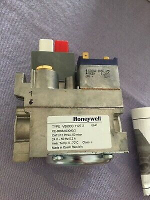 "Gas Valve Honeywell V8800C1127 3/4"" 24V Complete With 3/4 X 1/2 Bushes 170637"