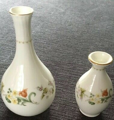 Wedgwood Mirabella Collectible Pair Of Vases Fine China England Pottery Ceramic