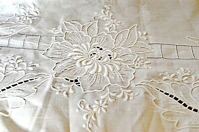 Vintage Heavily EMBROIDERED Linen TABLECLOTH Hand Made UU944