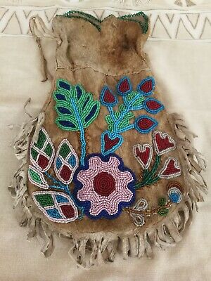 Native American Indian Beaded bag /pouch Circa 1900