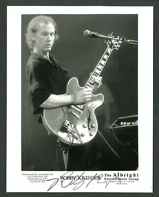 ROBBY KRIEGER Rock Musician THE DOORS MORRISON Signed Autographed 8 x 10 Photo