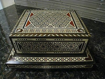 Hard to find ANTIQUE MIDDLE EASTERN MUSICAL CIGARETTES BOX