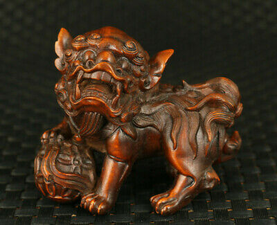 Asian old boxwood hand carved lion trample big-leaf hydrangea statue decoration