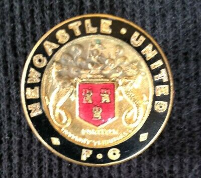 Newcastle United official lapel badge, 1940s/1950s
