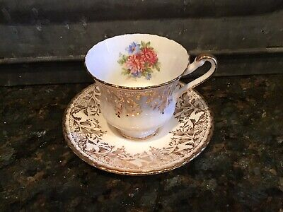 PARAGON Fine Bone China Tea Cup & Saucer By Appointment to her Majesty the Queen