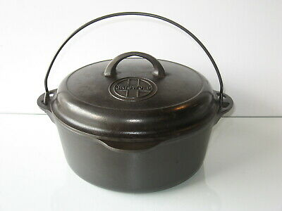 GRISWOLD No 8 Dutch Oven & Self Basting Logo Lid & Trivet Cast Iron Sits Flat