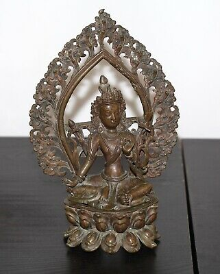 Antique Chinese Nepalese bronze rare buddha, Qing Dynasty, 19th century, SUPERB.