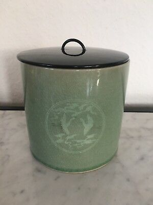 Japanese Celadon container with lid, large, Kraniche, Asia art pottery,