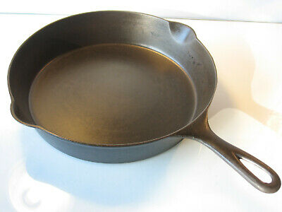 ERIE Pre-Griswold No 9 Cast Iron Skillet with Heat Ring