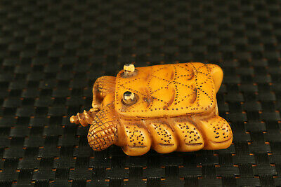 Chinese old yak horn hand carved crab statue snuff bottle noble decoration gift