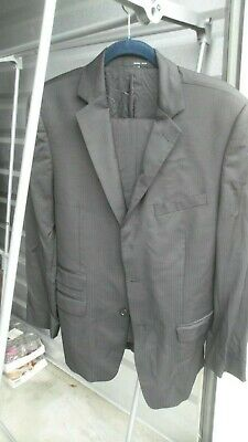 Beautiful Slightly Used Zara Man Dark Gray Suit Size 38R (Slim Cut)