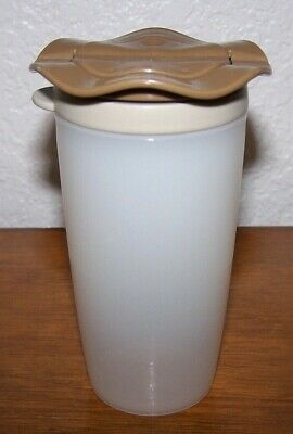 TUPPERWARE Open House Salt Pepper Spice Shaker #4923A Clear w/ Brown Top