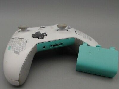 Microsoft Xbox One 1708 White & Turquoise Wireless Controller