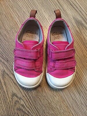 Baby Girls Clarks Shoes - Size UK 4.5 G Pink Good Condition Fast Dispatch