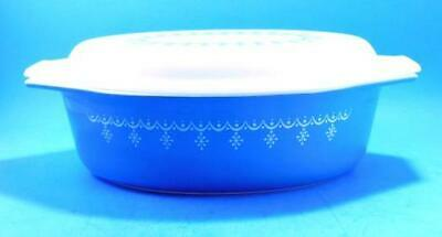 Pyrex Blue Garland Snowflake Oval Casserole Dish with Lid 2 1/2 qt Mint