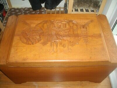 BLANKET BOX / CAMPHOR-WOOD / OTTOMAN CHEST / oriental chest with carved deco