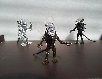 The Loyal Subjects Aliens Xenomorph Brown Clear Top Club 28 Exclusive no box