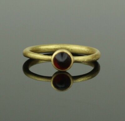 BEAUTIFUL ANCIENT MEDIEVAL GOLD & GARNET RING - CIRCA 12th/13th Century AD